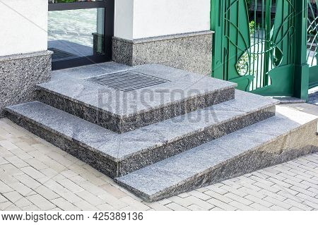 Granite Gray Porch Step With A Foot Mat At The Entrance To The Central Door Made Of Glass Modern Arc