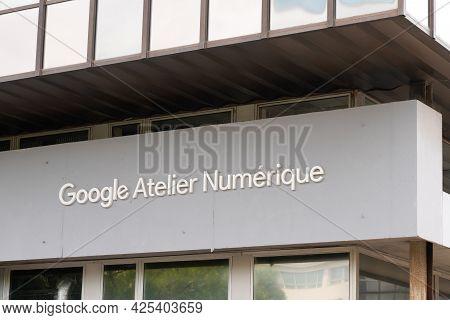 Montpellier , Ocitanie France  - 06 25 2021 : Google Atelier Numerique  Logo Brand And Text Sign Dig