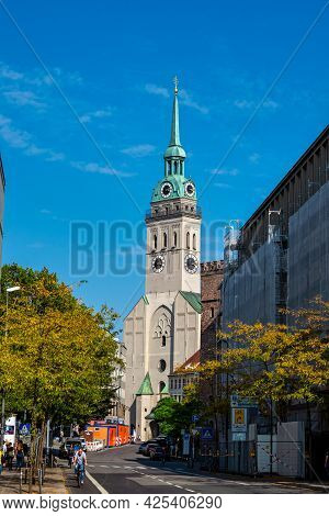 Munich, Germany - Sep 20, 2020: The Parish Church Of St. Peter, Whose Tower Popularly Known As Old P