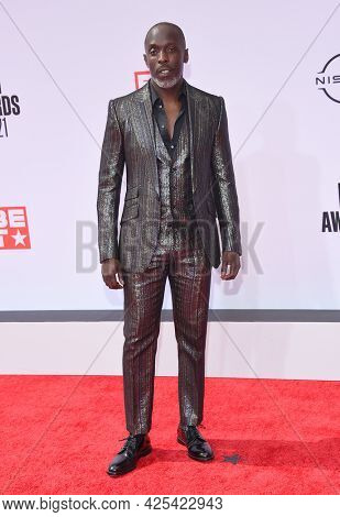 LOS ANGELES - JUN 27:  Michael K. Williams {Object} arrives for the 2021 BET Awards on June 27, 2021 in Los Angeles, CA
