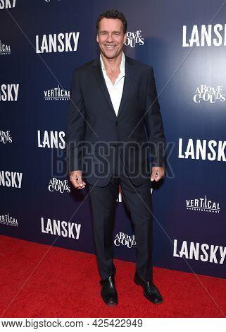 LOS ANGELES - JUN 21: David James Elliott arrives for the 'Lansky' Hollywood Premiere on June 21, 2021 in Los Angeles, CA