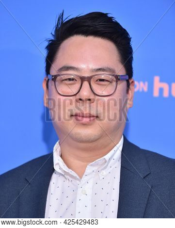 LOS ANGELES - JUN 16: James Shin arrives for the 'Dave' Season 2 Premiere on June 16, 2021 in Los Angeles, CA
