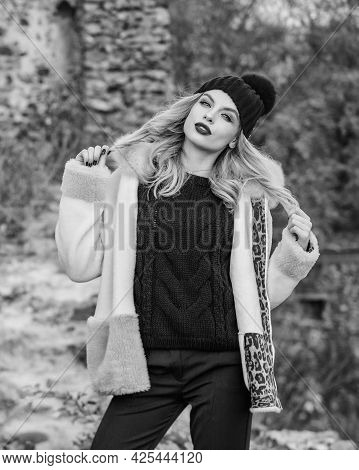 Quit Morning. Autumn Season Clothes And Accessory. Girl Long Hair In Hat. Woman In Sweater And Half-