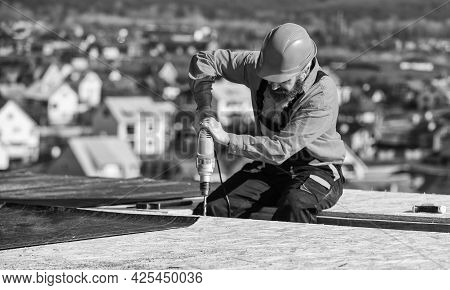 Materials Requirements. Install Partially Overlapping Layers Of Material Over Roof Insulation Surfac