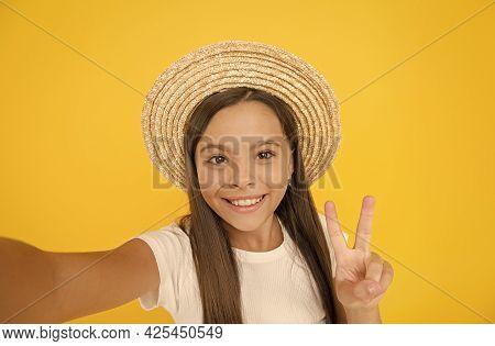 Summer Fun. Teen Girl Greeting Summer. Little Beauty In Straw Hat Make Selfie. Beach Style For Kids.