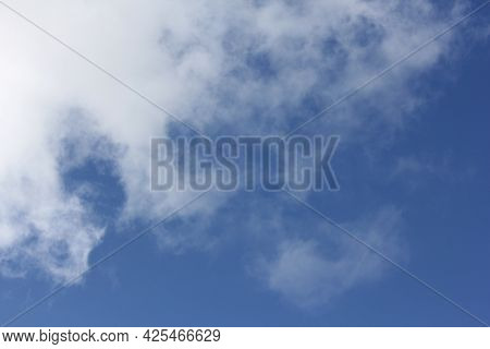 White Cloud Textures with Blue Sky, Fluffy White Cloud Shapes, Cloud Backgrounds