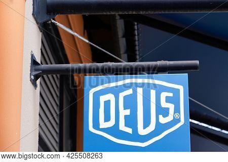 Sète , Ocitanie France  - 06 30 2021 : Deus Ex Machina Logo Text And Brand Sign Store Of Fashion Bou