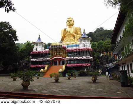 Dambulla, Sri Lanka - 07 Jan 2011: Golden Temple Of Dambulla In Sri Lanka