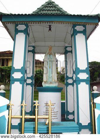 Galle, Sri Lanka - 10 Jan 2011: Old Town In The Center Of Galle, Sri Lanka