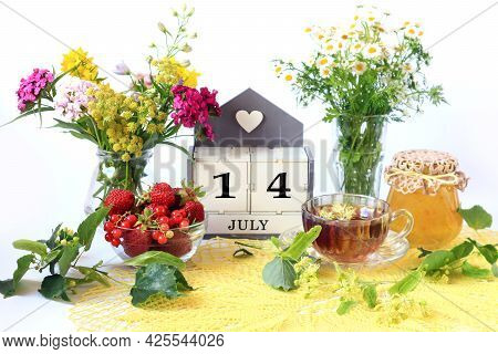 Calendar For July 14 : The Name Of The Month Of July In English, Cubes With The Number 14, Bouquets