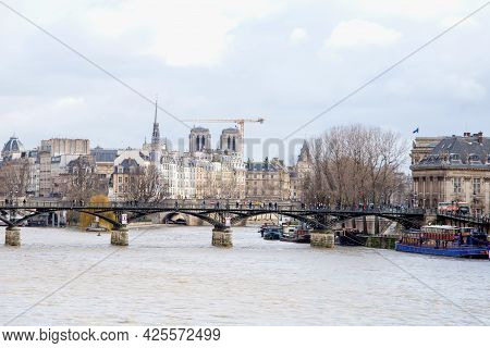 View Of The Island Of Cité From The Seine Embankment In Paris