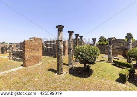 Ruins Of An Ancient City Destroyed By The Eruption Of The Volcano Vesuvius In 79 Ad Near Naples, Pom