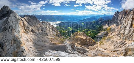 Panorama Shot From Skywalk, Or Hunerkogel, In The Hoher Dachstein Area. Broad And Vast Alpine Scener