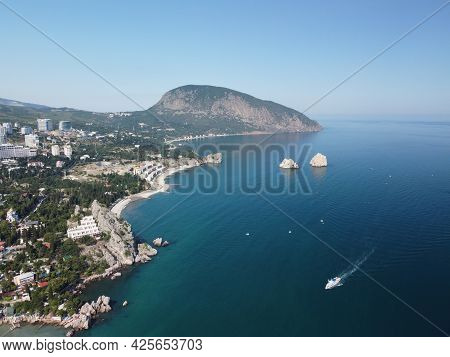 Gurzuf, Crimea - Aerial Panoramic View On Gurzuf Bay With Bear Mountain Ayu-dag And Rocks Adalary, A