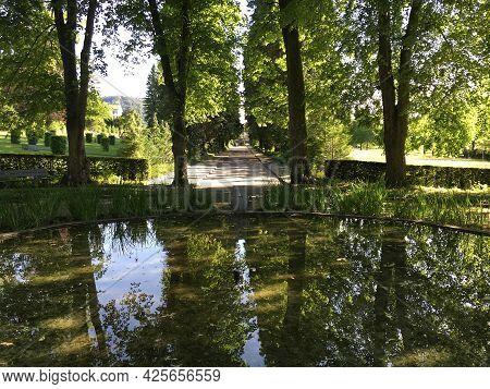 Fountain With Park At Feldli Cemetery In Saint Gallen (brunnen Mit Park Auf Dem Friedhof Feldli In S