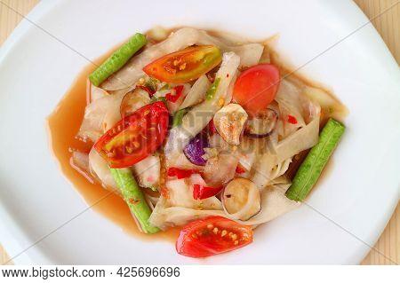 Mouthwatering Hot And Spicy Luang Prabang Style Green Papaya Salad