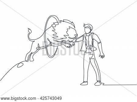 Continuous One Line Drawing A Lion Jumps Into The Circle Held By The Trainer. The Trainer Stands Up