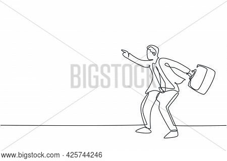 Single Continuous Line Drawing Of Young Angry Business Man Pointing Finger To His Employee. Fierce P
