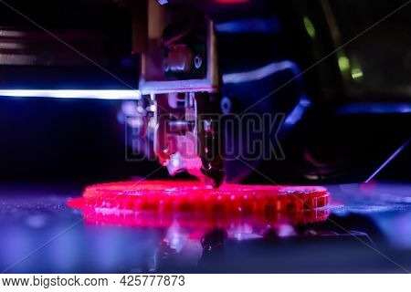 Automatic Three Dimensional Printer Machine Printing Flat Plastic Model At Modern Technology Exhibit