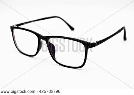 Modern Design Black Framed Plastic Reading Glasses, Glasses Isolated On White Background