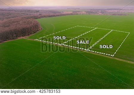 The Concept Of The Land Market For The Sale Of Agricultural Land. Farmlands For Growing Crops - Aeri