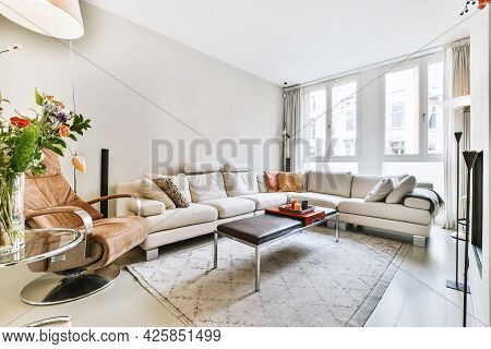 Luxury And Beautiful Living Room Interior Design