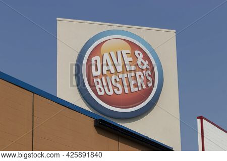 Indianapolis - Circa July 2021: Dave & Busters Restaurant. Dave & Busters Attendance Is Returning To