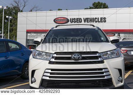 Cincinnati - Circa July 2021: Toyota Certified Used Vehicle Dealer. Toyota Is A Popular Brand Becaus
