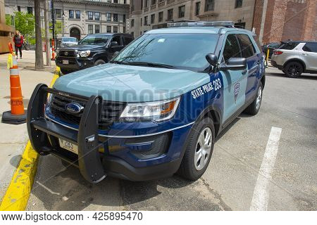 Boston - May 16, 2018: Massachusetts State Police Trooper Car On Beacon Hill In Downtown Boston, Mas
