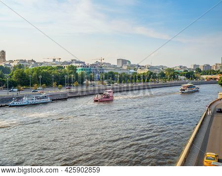 Moscow. Russia. June 26, 2021. A View Of The Moscow River From The Patriarchs Bridge In The Historic