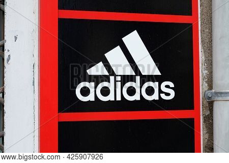Toulouse , Ocitanie France  - 06 30 2021 : Adidas Logo Brand And Text Sign On Store Of Sporty Multin