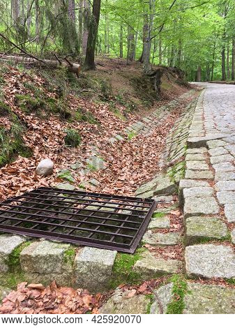 Mountain Drainage System, Steel Grating For Drainage On The Mountain