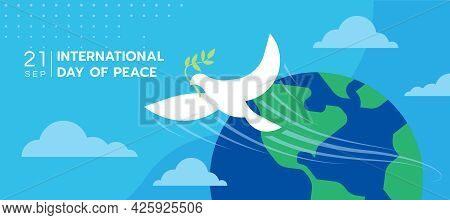 International Day Of Peace The White Peace Dove Flew From The Globe On Blue Sky Background Vector De