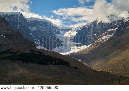 Athabasca Glacier Alberta Canada. Athabasca Glacier In Jasper National Park. Columbia Icefields Park