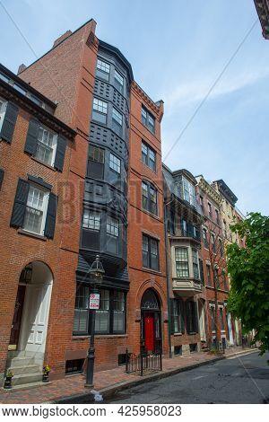 Historic Buildings At 79 Myrtle Street On Beacon Hill, Boston, Massachusetts Ma, Usa.