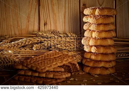 A Reminder That Bread Products Can Be Obtained From Wheat, Hard Work, You Need To Protect The Bread.