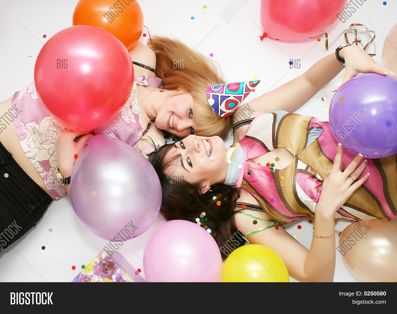 Трахнули в день рождение, На день рождения русскую девушку задорно выебли во 25 фотография
