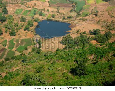 Teich in der Mitte