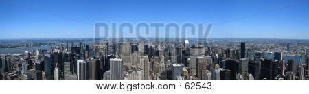 Манхэттен на фоне линии горизонта