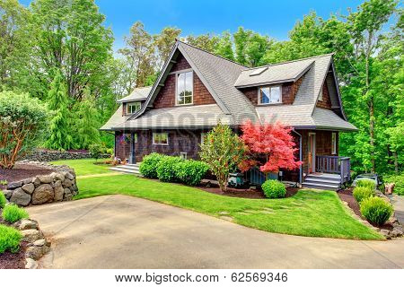 House With Beautiful Curb Appeal