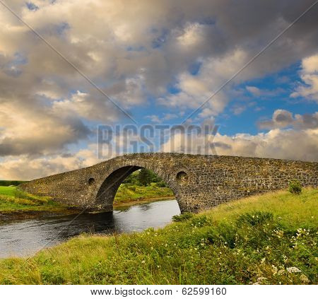 Atlantic Bridge at Clachan Seil, in Kintyre, Scotland, built in 1792 to the Isle of Seil
