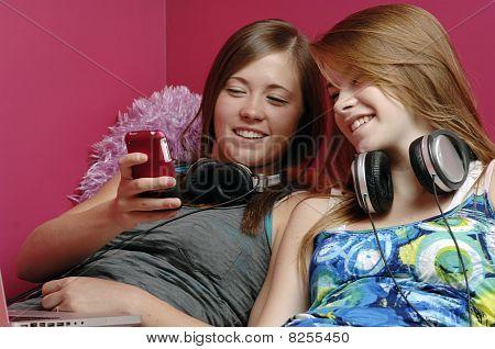 Teenagers Use Electronics