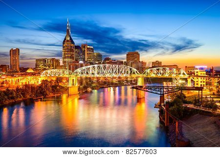 Nashville, Tennessee, USA downtown city skyline.