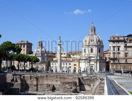 Italy. Rome. Trojan column churches of Santa Maria di Loreto and Santissima Nome di Maria (Most Holy