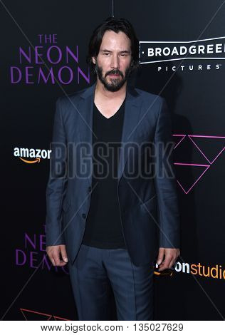 LOS ANGELES - JUN 14:  Keanu Reeves arrives to the 'The Neon Demon' Hollywood Premiere  on June 14, 2016 in Hollywood, CA.