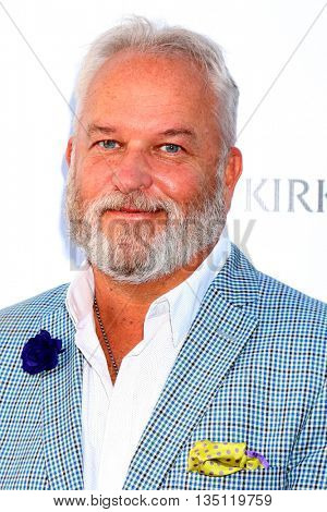 LOS ANGELES - JUN 18: Mark Harris at the Stand For Kids Gala at the Twentieth Century Fox Studios Lot on  ,  June 18, 2016 in Century City, CA