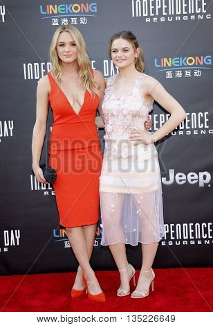 Joey King and Hunter King at the Los Angeles premiere of 'Independence Day: Resurgence' held at the TCL Chinese Theatre in Hollywood, USA on June 20, 2016.
