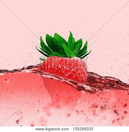 so eat strawberries can or can make a delicious juice