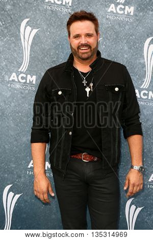 NASHVILLE, TN-SEP 1: Randy Houser attends the 9th Annual ACM Honors at the Ryman Auditorium on September 1, 2015 in Nashville, Tennessee.