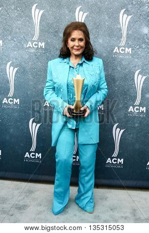 NASHVILLE, TN-SEP 1: Loretta Lynn attends the 9th Annual ACM Honors at the Ryman Auditorium on September 1, 2015 in Nashville, Tennessee.